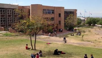 Convocan a estudiantes para becas de capacitación preprofesional 2015
