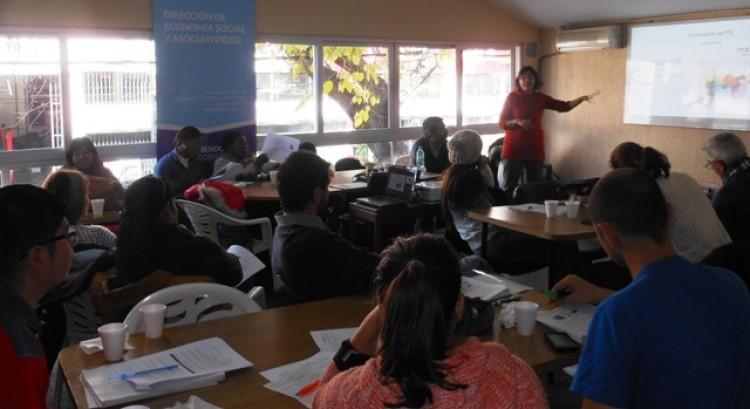 La FAD dicta talleres de capacitación en herramientas del diseño para emprendedores sociales
