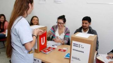 Seis estudiantes van por la presidencia de la FUCuyo