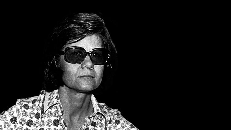 Inauguró muestra en homenaje a Elvira Melis