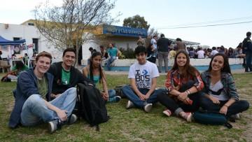 Información sobre becas para alumnos de la FAD