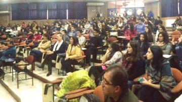 Aspirantes al ingreso 2018 participaron en la Facultad Abierta