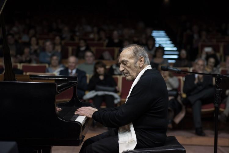 El reconocido pianista Miguel Ángel Estrella brindará un concierto en la Nave Universitaria