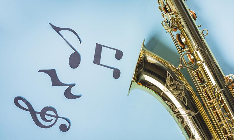 El saxofonista Matthew James brindará una clase virtual sobre este instrumento en jazz