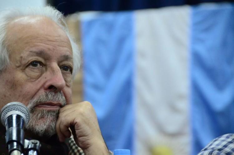 """Horacio Verbitsky presentó """"La libertad no es un Milagro"""" en la FAD"""